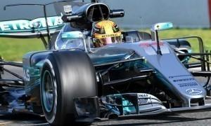 Hamilton nhanh nhất chặng đua thử trước mùa giải đầu tiên