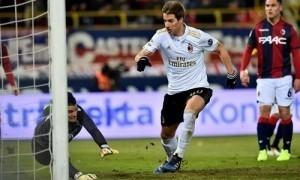 Milan thắng nhờ bàn cuối trận dù đá thiếu hai người