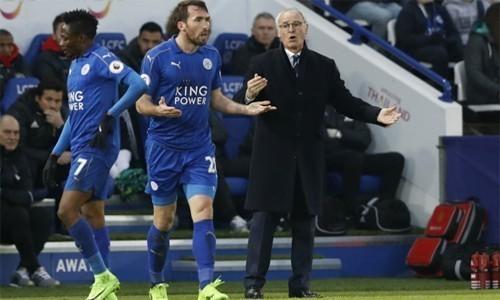 Leicester và sáu đội vật lộn trong cuộc chiến trụ lại Ngoại hạng Anh