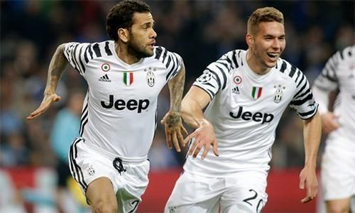 Ghi hai bàn trong hai phút, Juventus mở toang cửa vào tứ kết