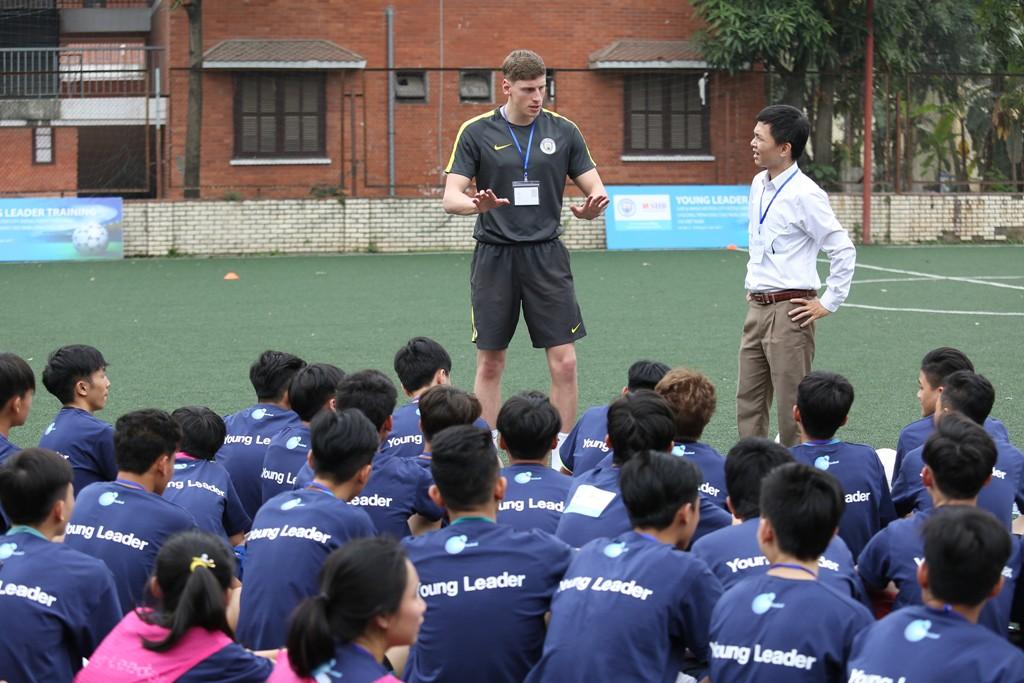 SHB và CLB Man City phối hợp đào tạo Nhà lãnh đạo trẻ