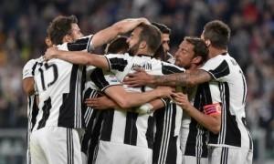 Juventus thắng đậm, nới rộng khoảng cách với Roma lên 11 điểm