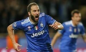 Higuain lập cú đúp, Juventus rộng cửa vào chung kết