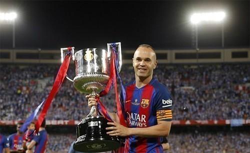 Iniesta lập kỷ lục số danh hiệu trong làng bóng đá Tây Ban Nha