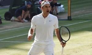 Federer đánh bại Raonic để vào bán kết Wimbledon