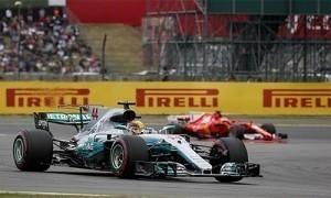Hamilton đạt kỷ lục trên sân nhà, đuổi sát Vettel