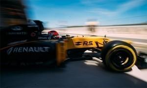 Kubica đua thử mẫu xe F1 2017 của Renault, cận kề ngày tái xuất
