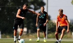 Ronaldo cùng Real đá Siêu Cup châu Âu gặp Man Utd