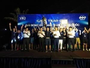 Gala trao giải bóng đá doanh nghiệp toàn quốc cúp FLC 2017