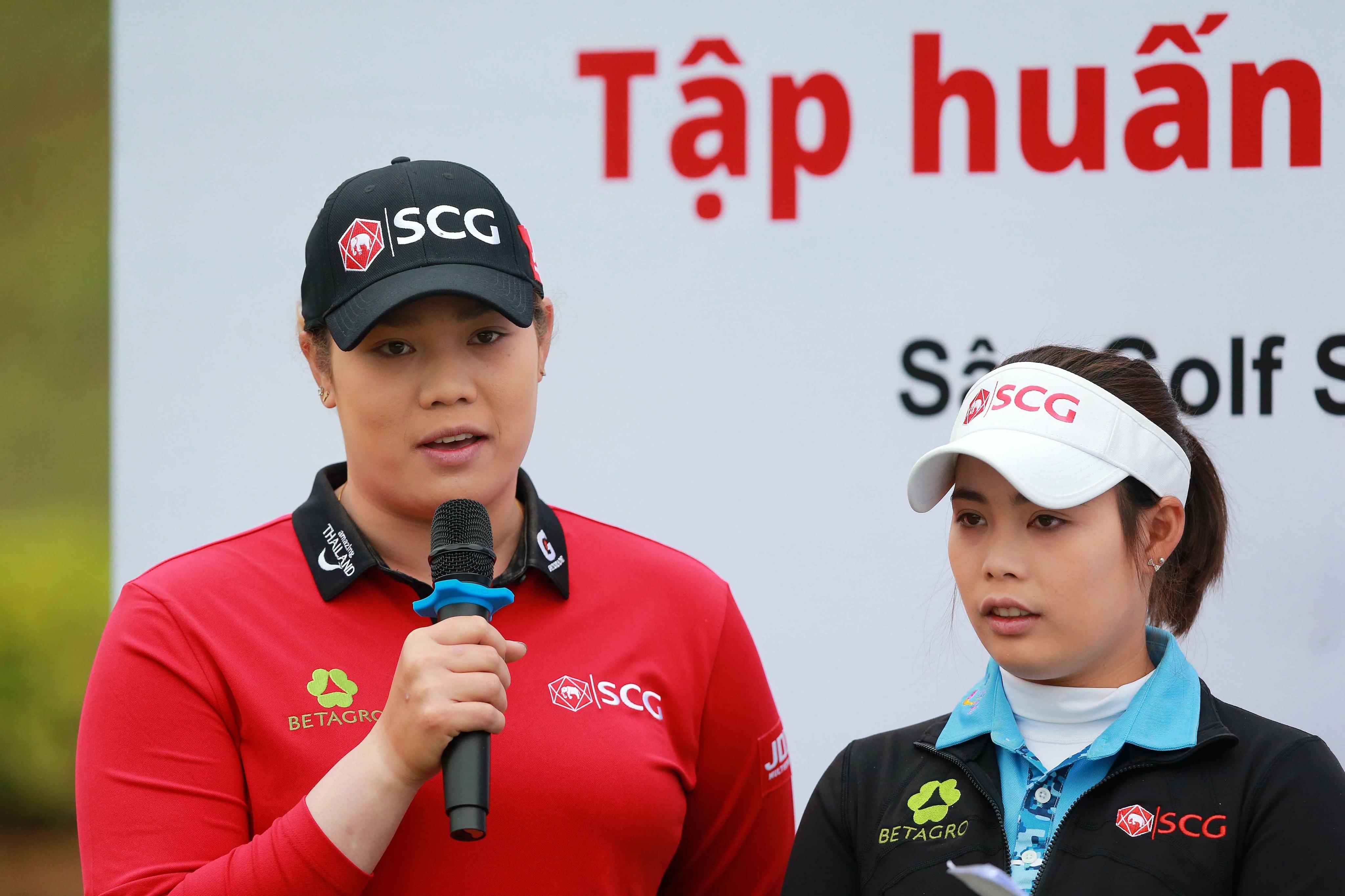 Chị em nhà Ariya và Moriya Jutanugarn truyền cảm hứng cho golfer trẻ Việt Nam