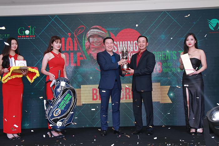 Hơn 2 tỷ đồng được quyên góp từ giải golf Swing For The Children's Tet 2018