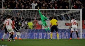 Sevilla 0-0 Man United: Thoát thua nhờ De Gea