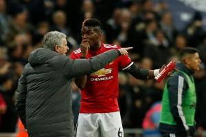 Pogba có thể tiếp tục ngồi dự bị trong trận gặp Chelsea