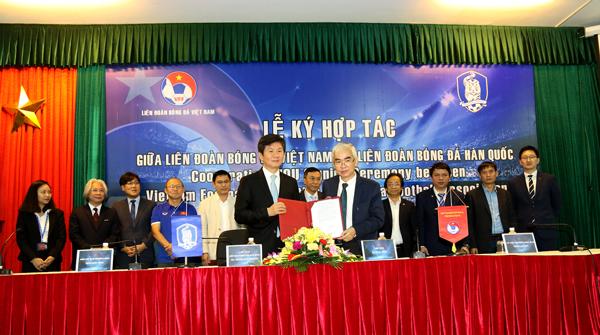 LĐBĐ Việt Nam ký kết hợp tác với LĐBĐ Hàn Quốc