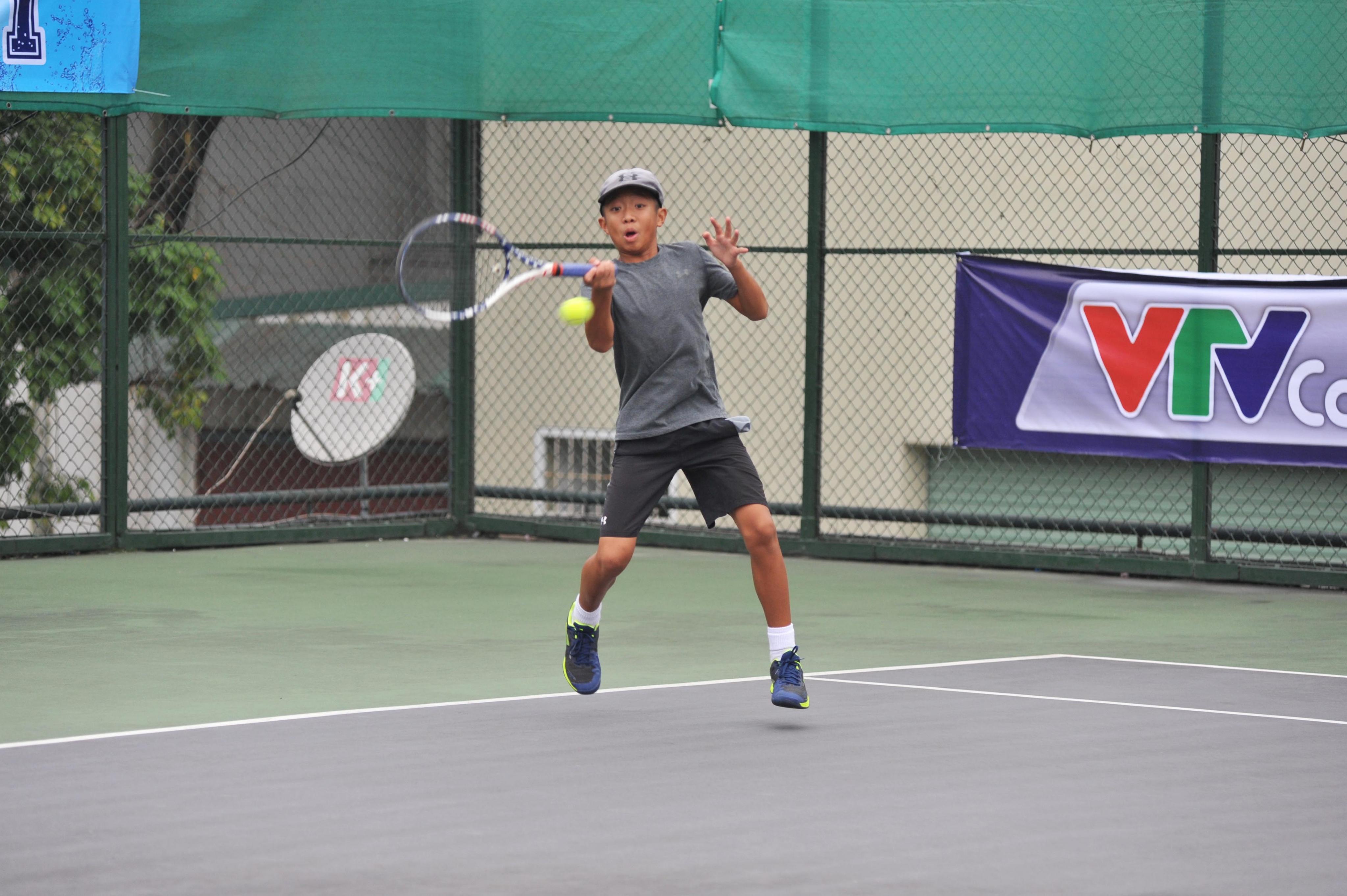 Nhiều trận đấu bị hoãn vì thời tiết ở giải quần vợt Vô địch lứa tuổi trẻ lần I – Dunlop Cup 2018