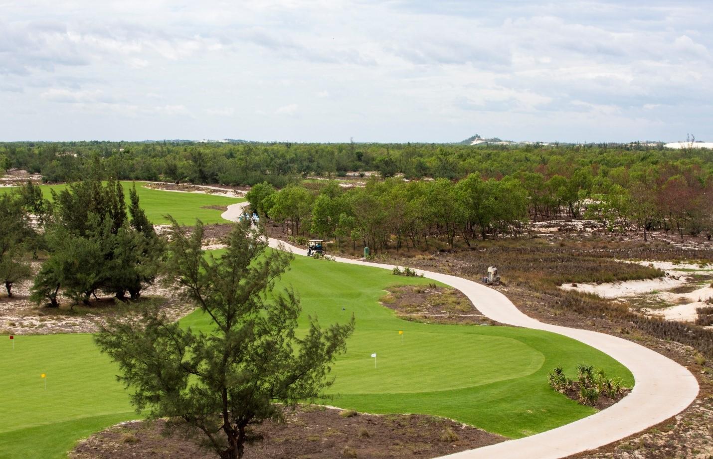 Cận cảnh vẻ đẹp của FLC Quang Binh Golf Links – Sân golf mới vừa mở cửa