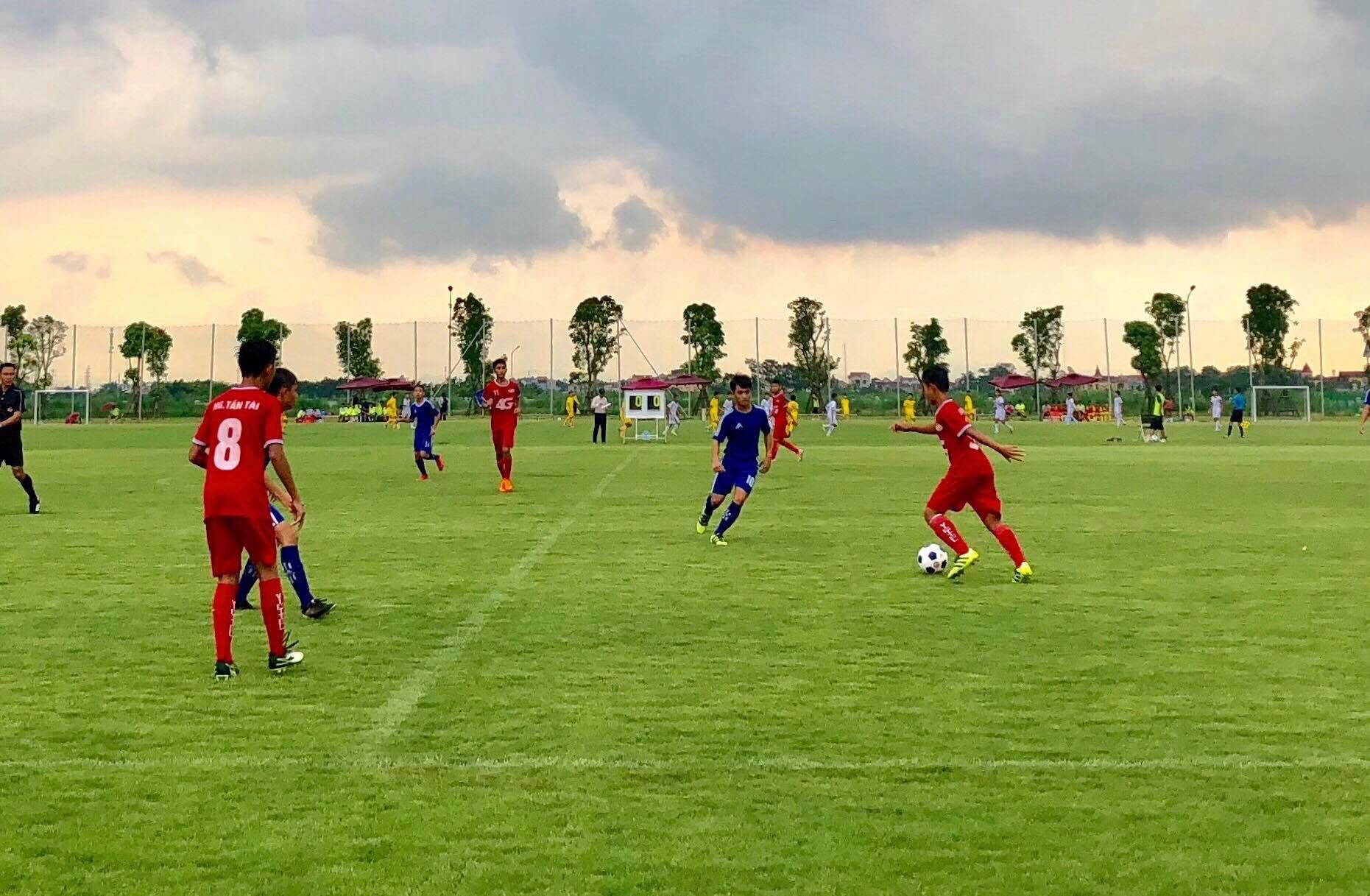 Xác định được 8 đội vào Tứ kết giải Bóng đá Thiếu niên toàn quốc Cúp VPP Hồng Hà 2018