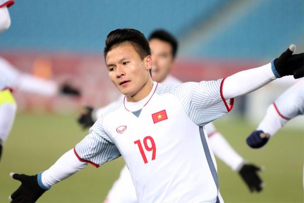 Quang Hải sẽ cùng SHB đón cúp Ngoại hạng Anh và cúp Liên đoàn Anh