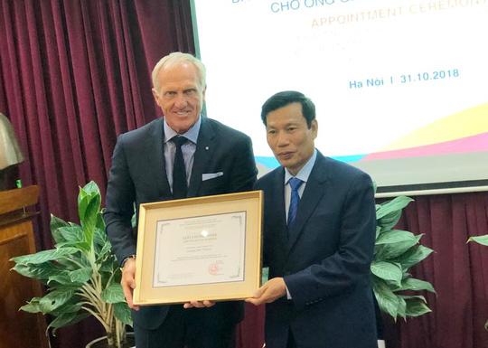 Huyền thoại golf Greg Norman trở thành Đại sứ du lịch Việt Nam