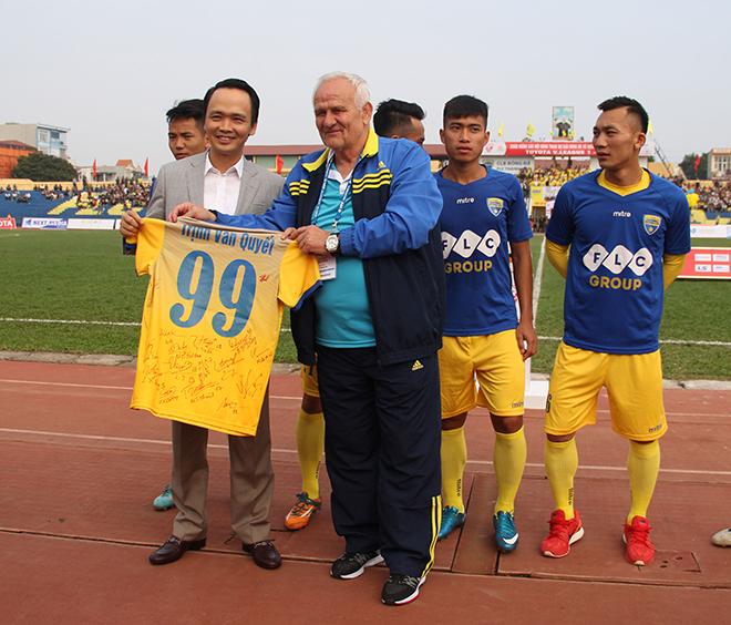 """Chủ tịch Tập đoàn FLC Trịnh Văn Quyết: """"Chúng tôi dừng tài trợ bóng đá Thanh Hóa"""""""