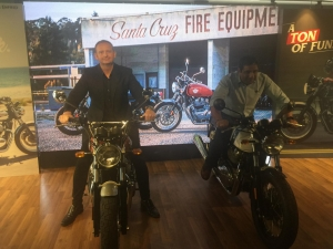 Hai mẫu xe mô tô hoài cổ Royal Enfield 650 chính thức ra mắt tại Việt Nam
