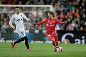 Valencia 2-1 Real Madrid: Zidane không phải là Chúa!