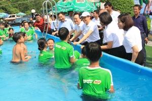 Hơn 5.000 người dự lễ phát động toàn dân tập luyện môn bơi, phòng chống đuối nước