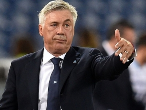 HLV Ancelotti từ chối Juventus