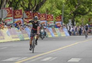 Chặng 6 giải đua Xe đạp quốc tế VTV: Im Jaeyeon thâu tóm áo vàng, áo xanh