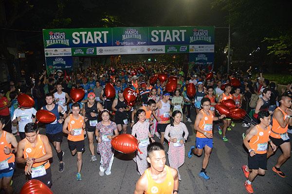 Hơn 7000 VĐV tham gia tranh tài tại VPBank Hanoi Marathon 2019