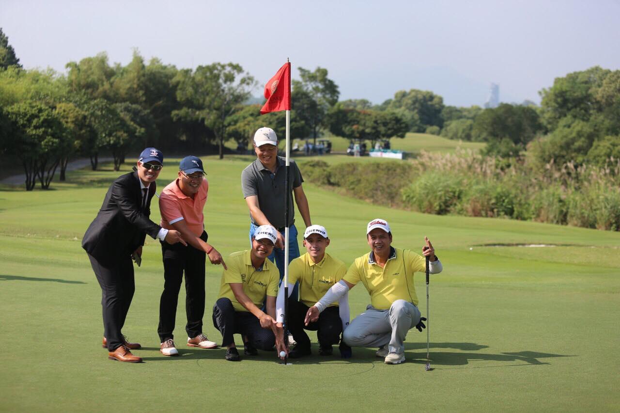 Golf Nguyễn Hữu Hoàng ghi HIO tại giải golf Chervo Open Championship 2019