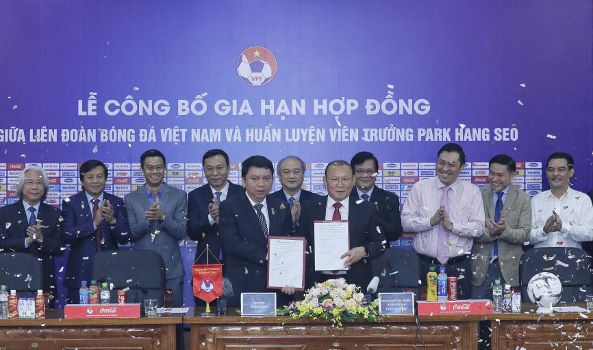 VFF chính thức công bố gia hạn hợp đồng với HLV trưởng Park Hang-seo