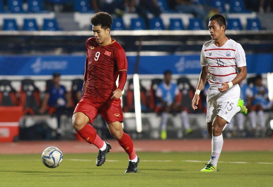 Đức Chinh lập hat-trick đưa U22 Việt Nam vào chung kết SEA Games 30