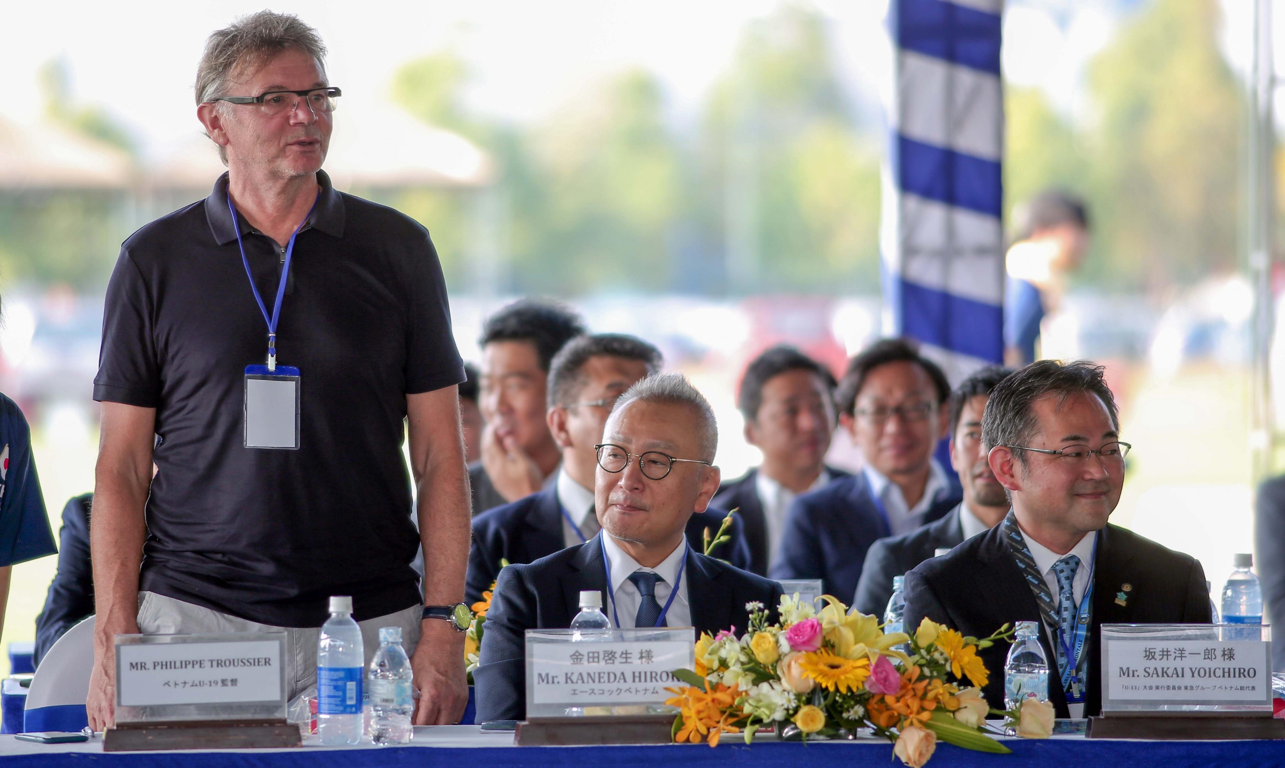 'Phù thủy trắng' Philippe Troussier: 'Bóng đá Việt Nam không thua kém Nhật Bản'