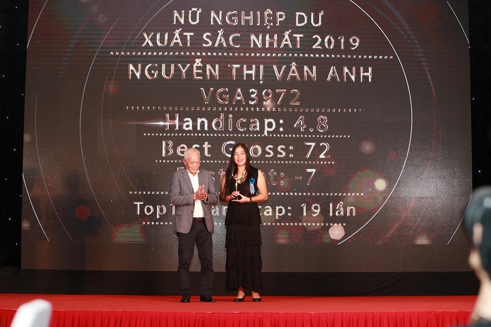 Hoàng Quân và Vân Anh là 2 golfers Nghiệp dư xuất sắc nhất năm 2019
