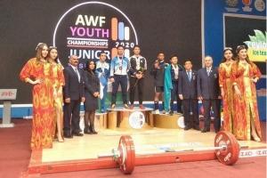 Đỗ Tú Tùng phá kỷ lục cử tạ trẻ thế giới