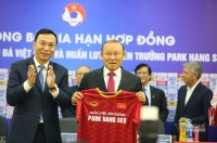 VFF khẳng định HLV Park Hang-seo không phải giảm lương