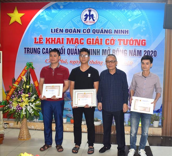 Giải cờ tướng Trung cao tuổi Quảng Ninh mở rộng năm 2020