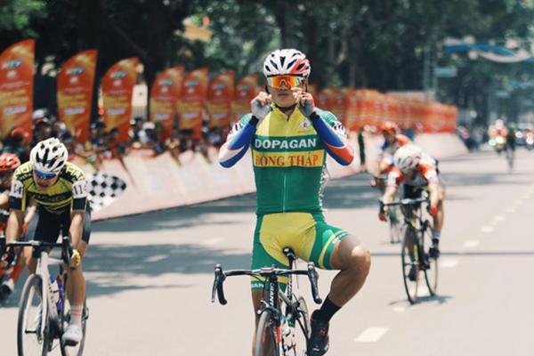 Tay đua Trần Tuấn Kiệt lần thứ 2 thắng chặng Cúp xe đạp Truyền hình TPHCM