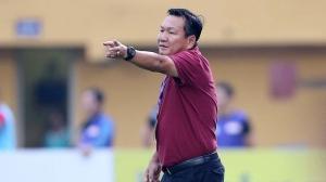 HLV Hoàng Văn Phúc phủ nhận thay Lê Huỳnh Đức ở SHB Đà Nẵng