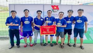 Nha Trang tổ chức giải bóng đá mini nam hưởng ứng Ngày hội thanh niên công nhân năm 2020.