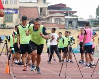 2 trợ lý trọng tài không vượt qua được bài kiểm tra thể lực trong đợt tập huấn giữa mùa giải