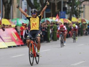 Khai mạc giải xe đạp VTV Cúp Tôn Hoa Sen 2020: Lê Nguyệt Minh thâu tóm 2 danh hiệu cá nhân