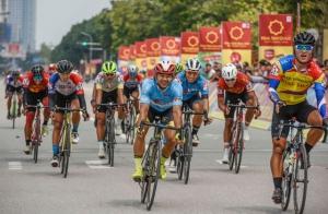 Chặng 4, Giải xe đạp VTV Cúp Tôn Hoa Sen 2020: Lê Nguyệt Minh xuất sắc giữ áo xanh, Loic Desriac bảo vệ áo vàng