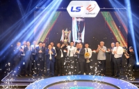 Gala tổng kết V.League 2020: sân khấu tôn vinh bóng đá Việt