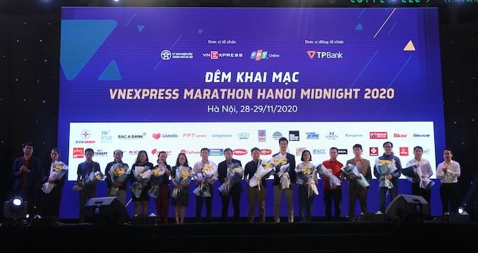 Chính thức khai mạc giải VnExpress Marathon Hanoi Midnight 2020