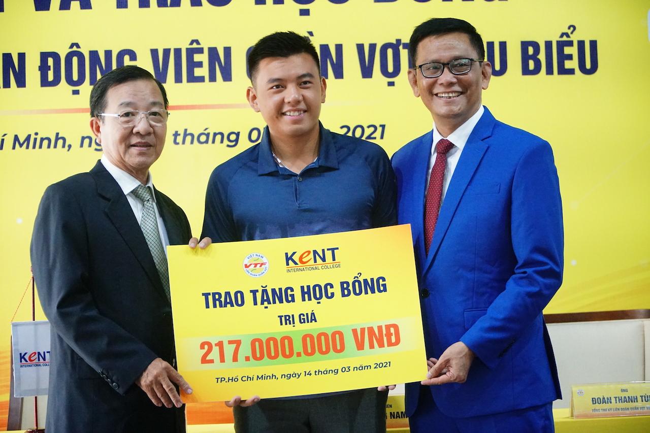 VĐV Quần vợt Việt Nam được nhận học bổng quốc tế