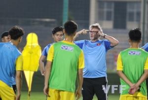 HLV Philippe Troussier hài lòng về tinh thần của các cầu thủ ĐT U18 Việt Nam