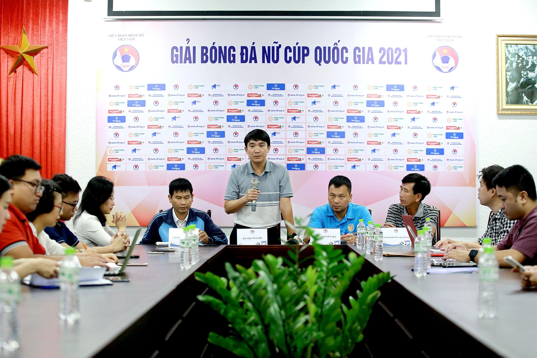 Các đội thể hiện quyết tâm tại Giải bóng đá Nữ Cúp Quốc gia 2021