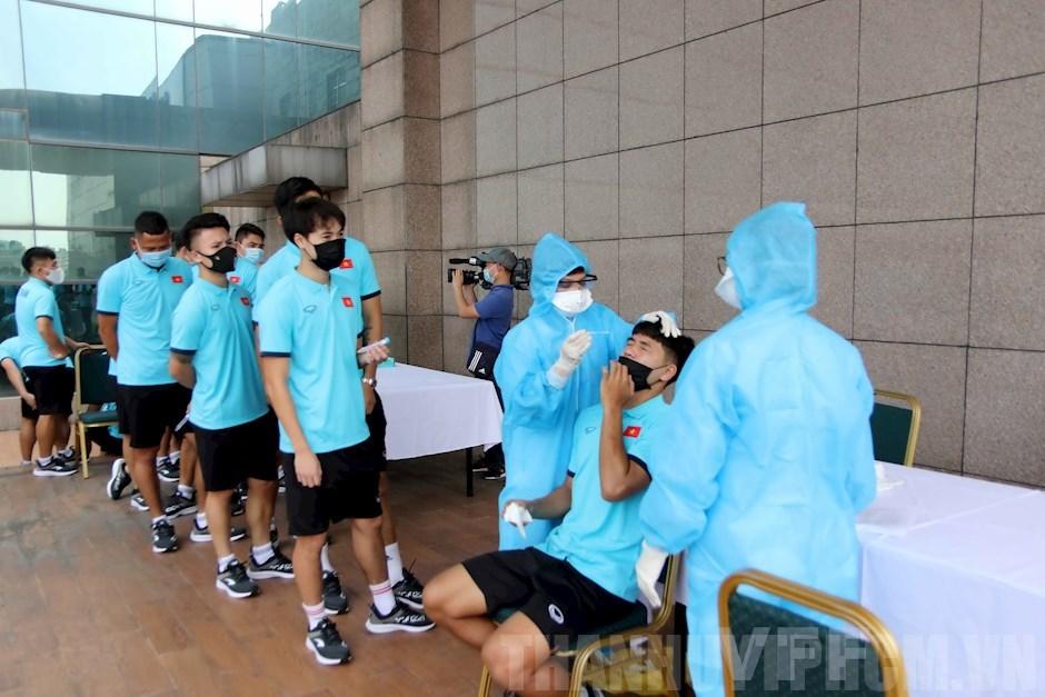 Các thành viên đội tuyển Việt Nam có kết quả xét nghiệm COVID-19 lần 2 âm tính